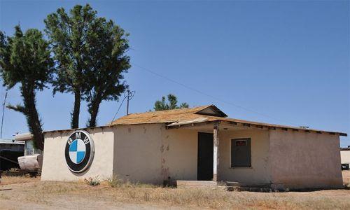Zdjecie USA / Kalifornia / Johannesburg / Wiejski Autosalon BMW