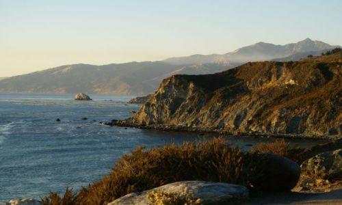 Zdjecie USA / California / Big Sur / Pacyfik tuż przed zachodem slońca