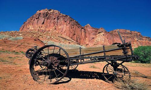 USA / Capitol Reef / Utah / Pojazd zdobywc�w Ameryki