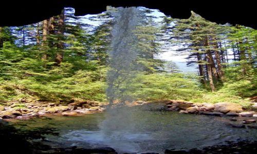 Zdjecie USA / brak / Oregon / Columbia River Gorge / wodospadzik od tylu :)