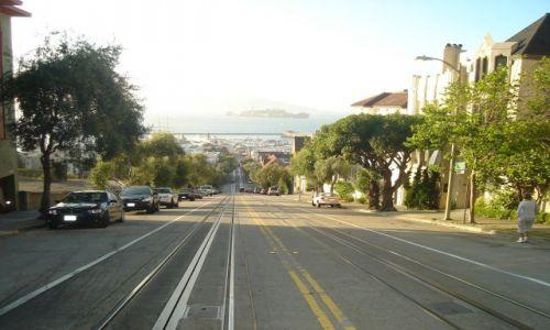 Zdjecie USA / California / San Francisko / Ulice  San   Francisko  z widokoem na.....
