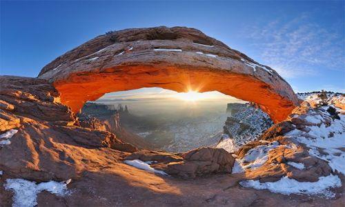 Zdjecie USA / Utah, Canyonlands / Mesa Arch / Dom Wschodzącego Słońca