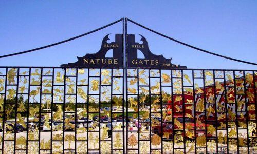 Zdjęcie USA / Południowa Dakota / przy muzeum rzeżbiarza, autora pomnika Crazy Horse / Nature Gate