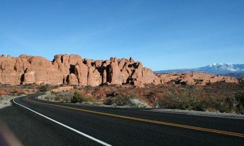Zdjęcie USA / Utah / Arches National Park / Droga do Arches NP