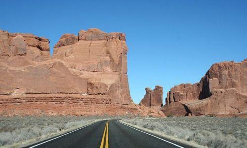 Zdjęcie USA / Utah / Arches National Park / Droga do Delicate Arch
