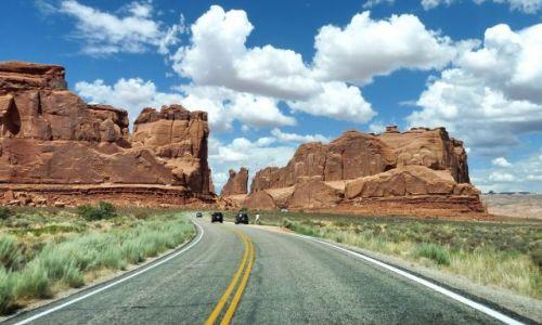 Zdjecie USA / Utah / Arches NP / Dziki zachód - kraina drogi