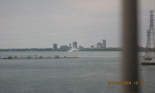 Zdjecie USA / stan New York / Niagara Falls / Pióropusz wodospadu Niagara widoczny z daleka