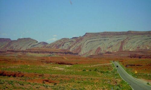Zdjecie USA / Arizona / w drodze do Monument Valley / formacja skalna