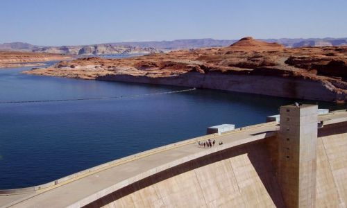 Zdjecie USA / Arizona / Lake Powell - Page / tama na Lake Powell