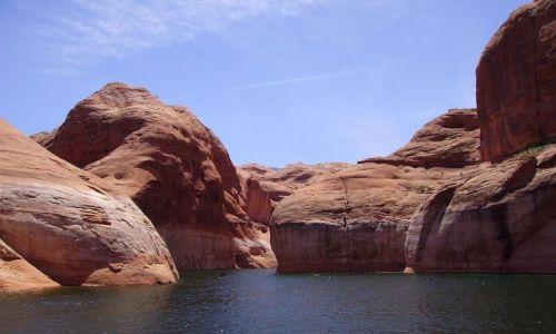 Zdjecie USA / Arizona / na Lake Powell - okolice Page / niezwykłe formacje skalne na Lake Powell