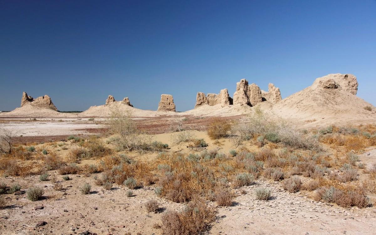 Zdjęcia: Kyrk-Kyz Kala, Karakałpacja, Ruiny dużej Kyrk-Kyz Kala, UZBEKISTAN