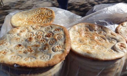 Zdjecie UZBEKISTAN / - / gdzieś po drodze / Lepioszka - uzbecki chlebek