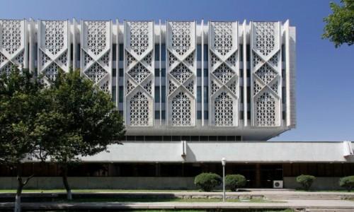 Zdjecie UZBEKISTAN / - / Taszkient / Fasada budynku Muzeum Historii Uzbekistanu