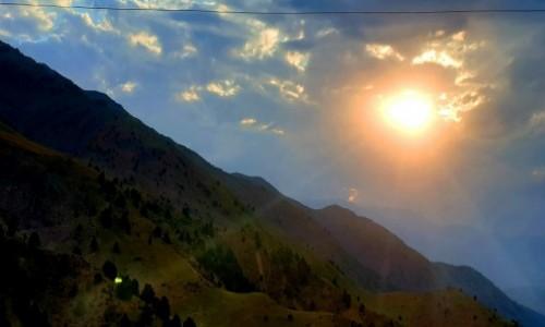 Zdjecie UZBEKISTAN / Taszkent / przełęcz / Góry Tienszan