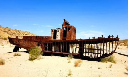 Zdjecie UZBEKISTAN / Nukus / Jezioro Aralskie / Wrak