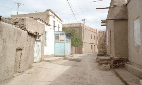 Zdjęcie UZBEKISTAN / Chorezm / Chiwa / Uliczka w Starej Chiwie