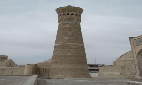 Zdjecie UZBEKISTAN / Wilojat Buchary / Buchara / Minaret Kalyon
