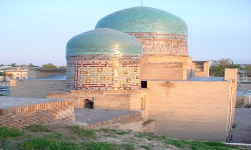 UZBEKISTAN / Wilojat Samarkandy / Samarkanda / Szachi Zinda (zachód słońca)