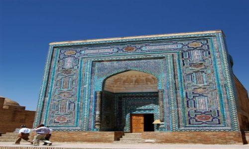 Zdjęcie UZBEKISTAN / Uzbekistan / Samarkanda / Jedno z mauzoleum Samarkandy