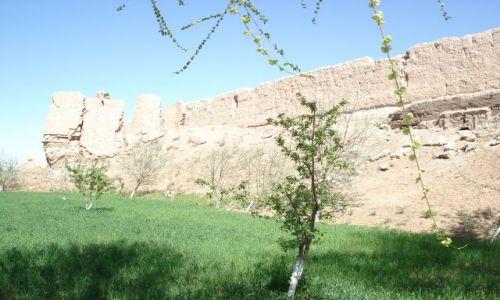 UZBEKISTAN / Karakałpakstan / Guldursun qala / Potężne mury