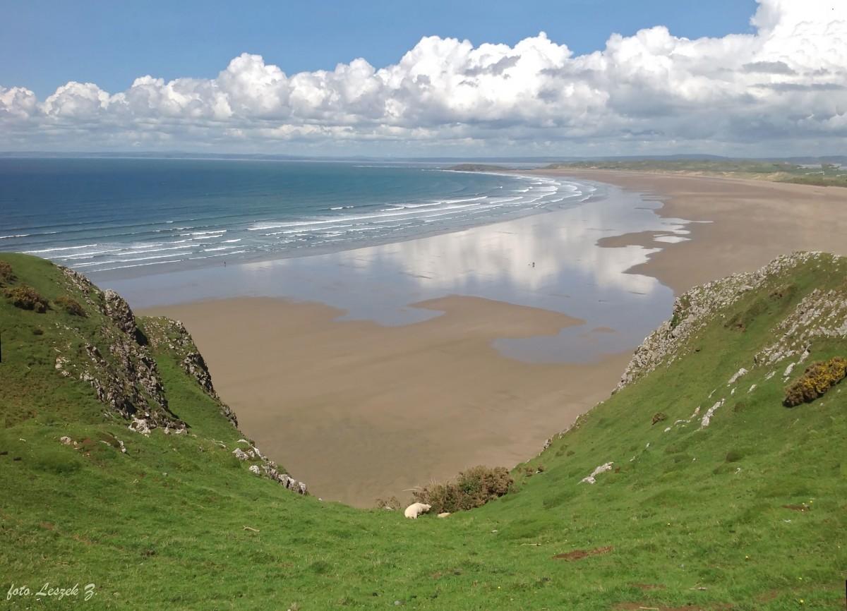 Zdjęcia: Plaża w Swansea., Półwysep Gower., Rhossili - plaża z klifu., WALIA