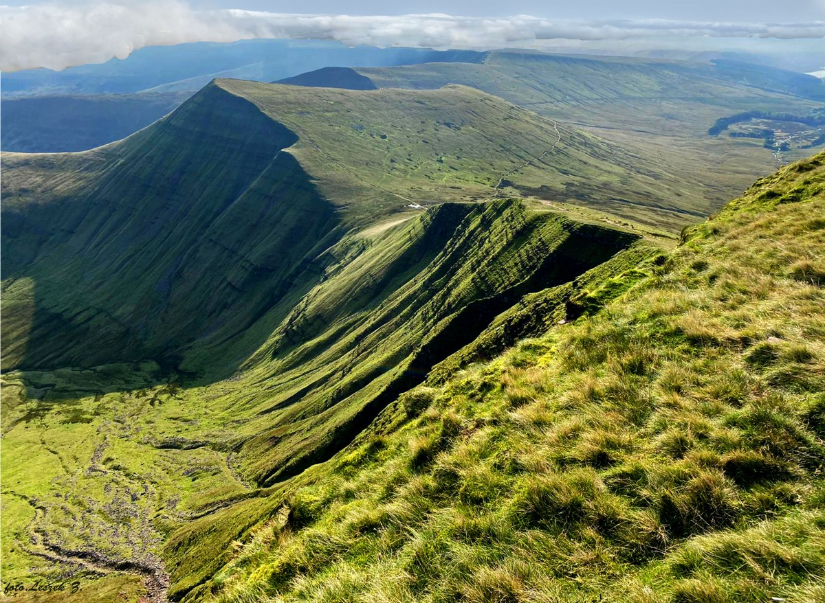 Zdjęcia: National Trust., Brecon Beacons National Park., Peny Fan (886 m.) - najwyższy szczyt Walii., WALIA