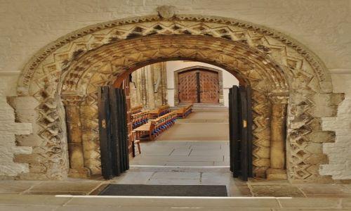 Zdjęcie WALIA / Południe / Cardiff / Cardiff, katedra, jeden z portali
