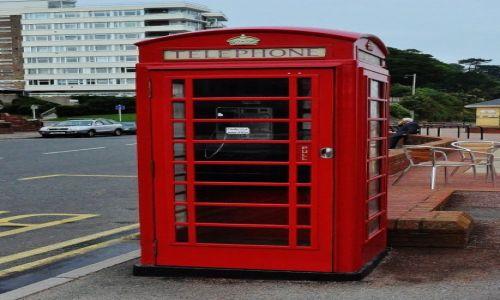 Zdjęcie WALIA / Południe / Penarth / Penarth, kultowa budka telefoniczna