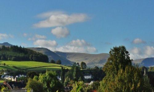 Zdjęcie WALIA / Południe / Brecon / Widok na Brecon Beacons z zamku