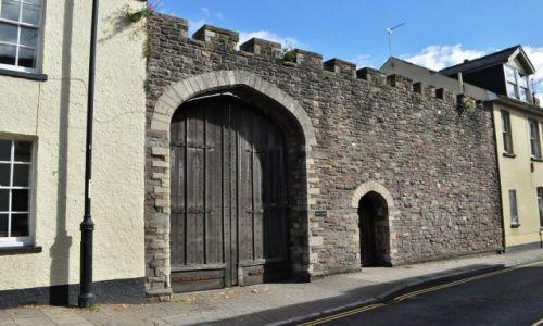 Zdjęcie WALIA / Południe / Caerleon / Caerleon, stare ogrodzenia obronne