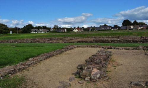 Zdjęcie WALIA / Południe / Caerleon / Caerleon, pozostałości baraków mieszkalnych