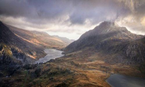 Zdjęcie WALIA / Snowdonia / gdzies za llyn ldwal / Tryfan