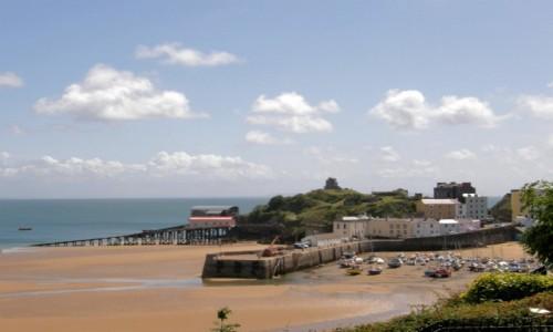 Zdjecie WALIA / Na zachód od Cardiff, stolicy Walii, w hrabstwie Pembrokeshire. / Tenby Harbour Beach  / Tenby - Walia. Czekając na przypływ.