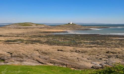 WALIA / Swansea. / Mumbles - plaża. / Mumbles - Latarnia Morska w czasie odpływu.