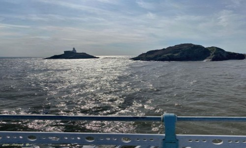 WALIA / Swansea. / Mumbles. / Mumbels - Latarnia morska w czasie przypływu.