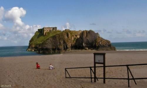 WALIA / Hrabstwo Pembrokeshire /  Park Narodowy Pembrokeshire Coast. / Tenby - Wyspa św. Katarzyny i fort z 1876 r.