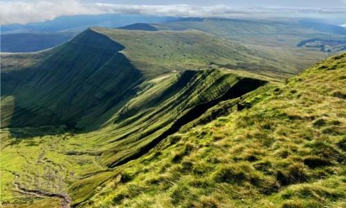 WALIA / Brecon Beacons National Park. / National Trust. / Peny Fan (886 m.) - najwyższy szczyt Walii.