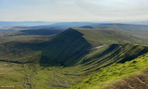 Zdjecie WALIA / Brecon Beacons National Park. /  National Trust. / Peny Fan (886 m.) - najwyższy szczyt Walii.