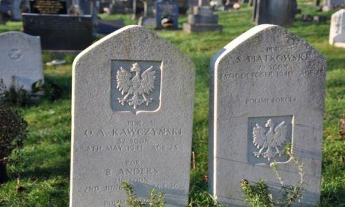 Zdjecie WALIA / Poludniowa Walia / St.Ishmael / Polskie groby na malym wiejskim walijskim cmentarzu