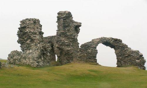 Zdjecie WALIA / Llangollen / na szczycie górki na której zamek się znajduje / Castell Dinas Bran