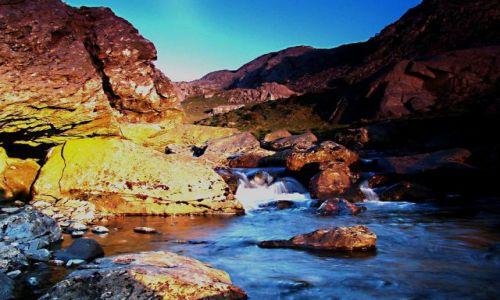 Zdjecie WALIA / Snowdonia National Park / Pass of Lanberis  droga A4086 / gorski strumien