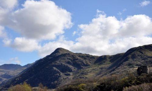 Zdjecie WALIA / Polnocna Walia - Ssnowdonia / Najwyzsze gory Anglii i Walii / Widok z gory na gore
