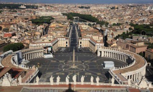 Zdjęcie WATYKAN / Lacjum / Widok z kopuły Bazyliki Watykańskiej / Plac Św. Piotra