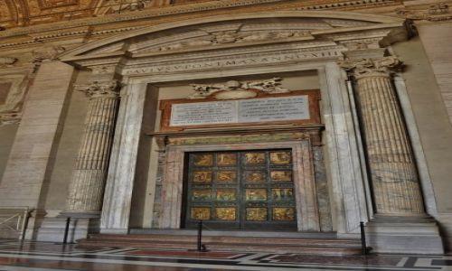 Zdjęcie WATYKAN / Lazio / Rzym / Bazylika św. Piotra, drzwi jubileuszowe