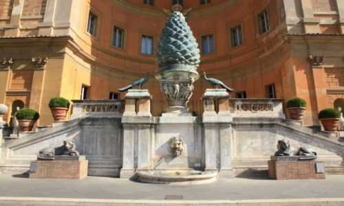 WATYKAN / Bazylika św. Piotra / Muzea Watykanu / Dziedziniec Pinii