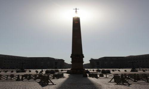 Zdjęcie WATYKAN / Lacium / Plac Świętego Piotra / Pod słońce