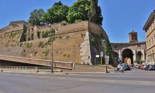 WATYKAN / Lazio / Rzym / Mury Watykanu