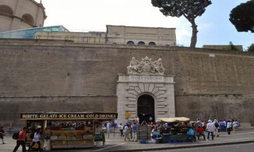 WATYKAN / Lazio / Rzym / Muzeum watykańskie, wejście