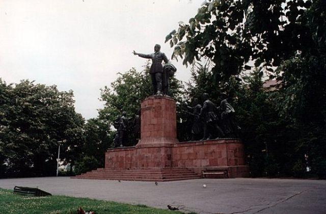 Zdjęcia: BUDAPESZT, Pomnik Lajosa Kossutha, WĘGRY