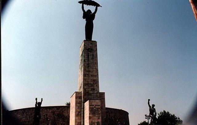 Zdjęcia: BUDAPESZT, Pomnik Wolności na Wzgórzu Gellerta, WĘGRY